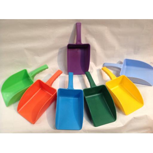 Scoop Plastic Medium