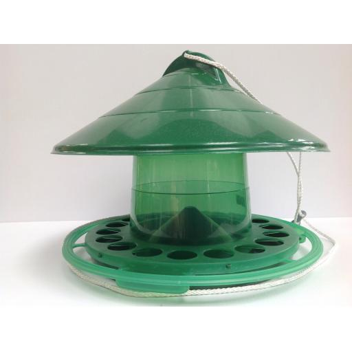 Feeder with rain cover