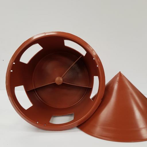 brown feeder2.jpg
